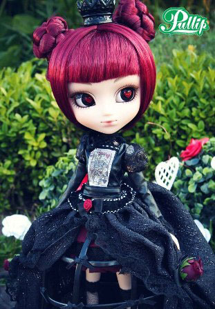 Lunatic Alice Queen Pullip: She Wants Your Head!