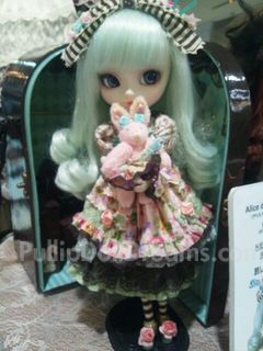 Sneak Peek: Ririko, Mint Alice, and Fraulein 2012 Pullip Doll
