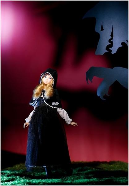 Momoko Black Riding Hood-2