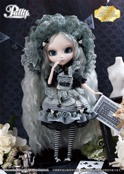 Romantic Alice Monochrome-601